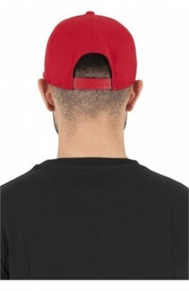 110 Fitted Snapback rosu