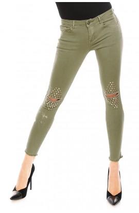 Pantaloni din jeans elastic cu taieturi la genunchi si strasuri